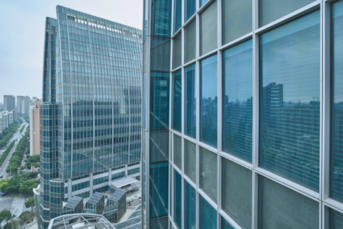 The smart 150,000m2 building complex comprises two towers, each with 32 floors