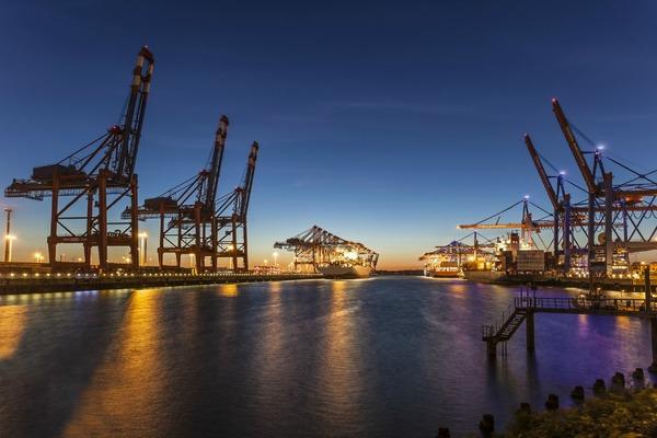 Hamburg embarks on smart port project