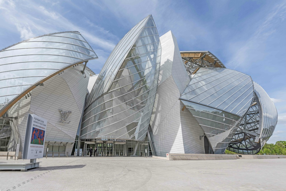Fondation Louis Vuitton Museum   Frederic Legrand/COMEO/Shutterstock.com