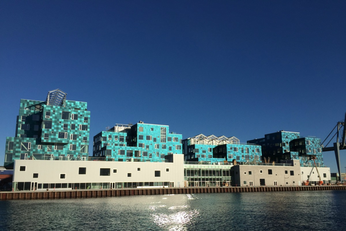 The school with its solar facade in the new Nordhavn district of Copenhagen