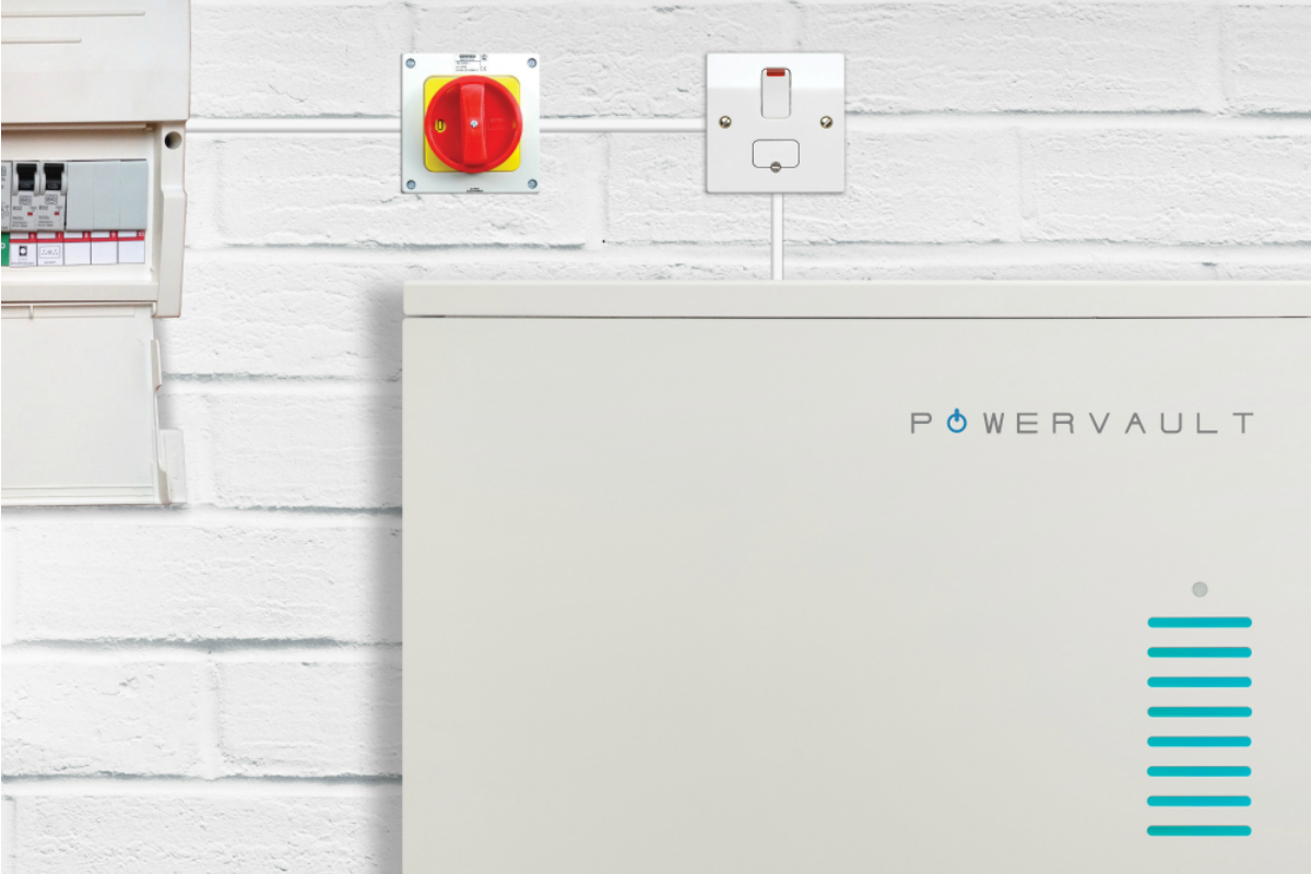 The partnership reduces the cost of a Powervault smart battery unit by 30 per cent