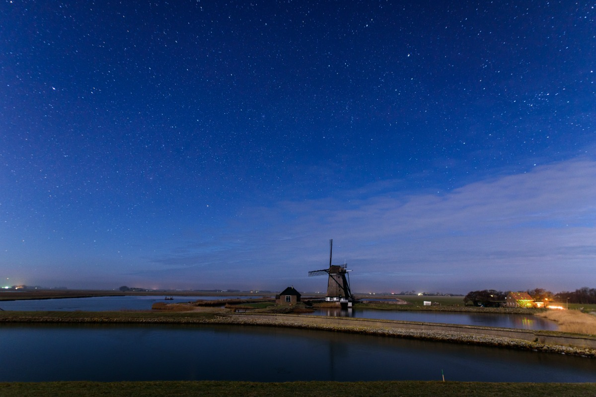 Intelligent streetlights let the night sky of Texel be seen in all its glory