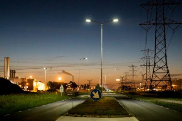 Dutch port adopts intelligent lighting