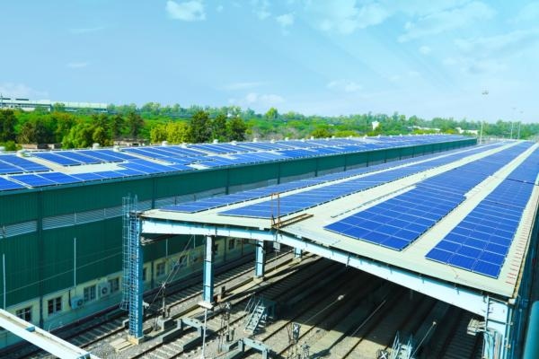 Roof power expands electrification of railways