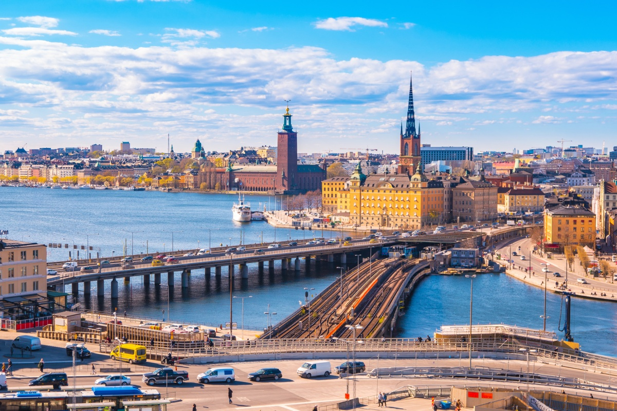 The number of cars on the road in Stockholm is constantly increasing