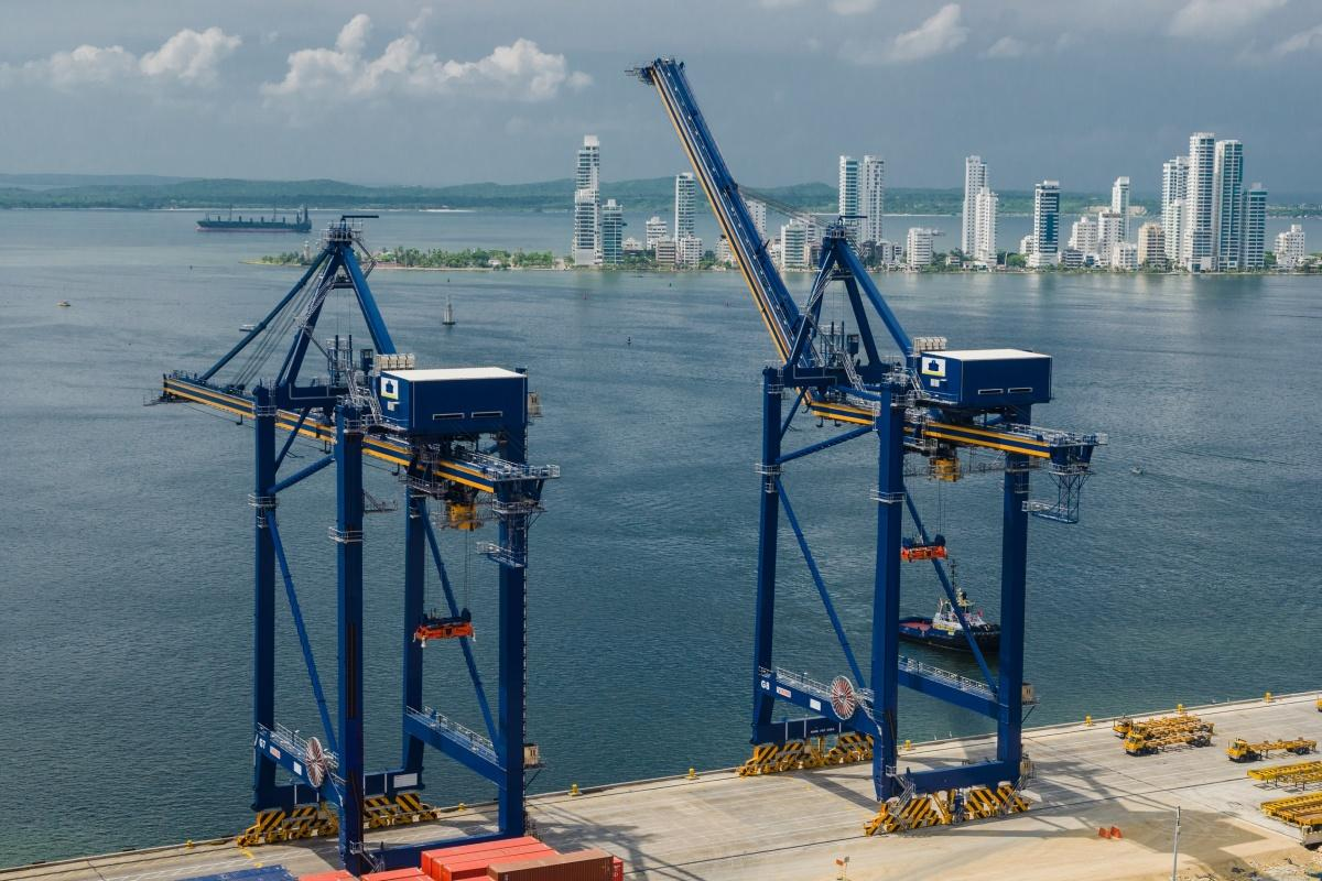 Kalmar's ship-to-shore cranes in action in Cartagena, Colombia