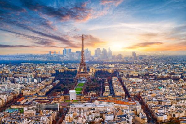 Europcar plugs into Paris smart cities programme