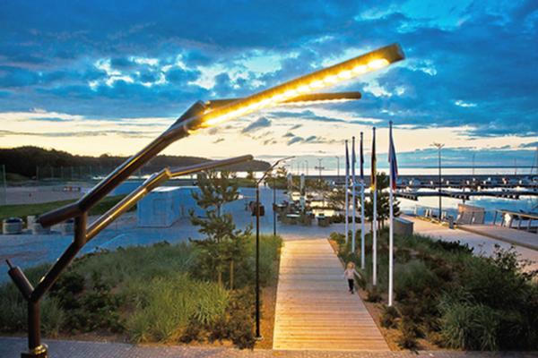 Smart marina lights up
