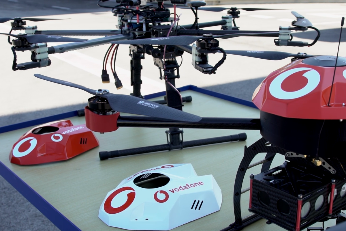 The drone's radio positioning system is combined with artificial intelligence algorithms
