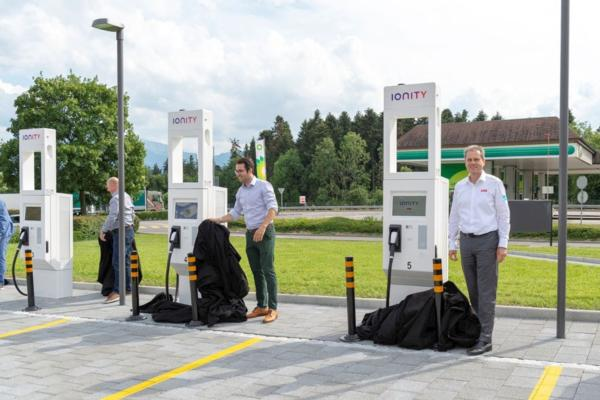Highway of the future charges up