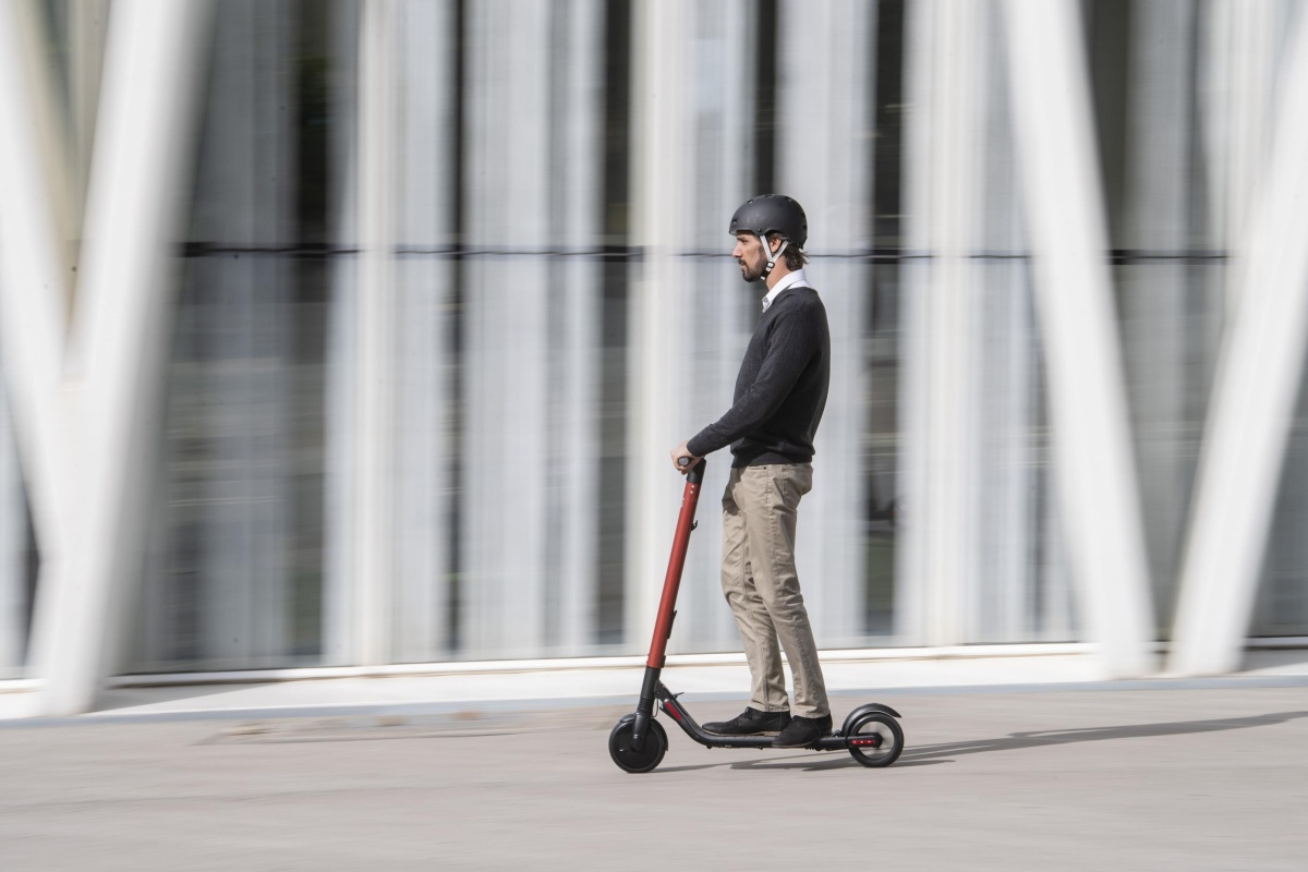 The electric scooter can reach a maximum of 45km, depending on conditions