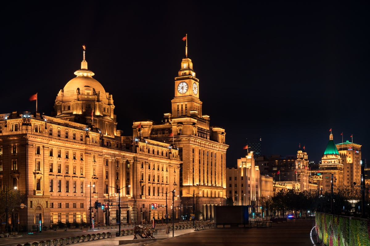 The Shanghai Bund features tunable white LED to show buildings in their best light