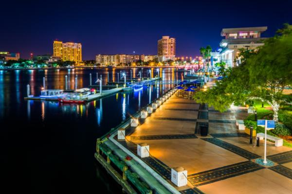 Tampa to deploy smart street lighting
