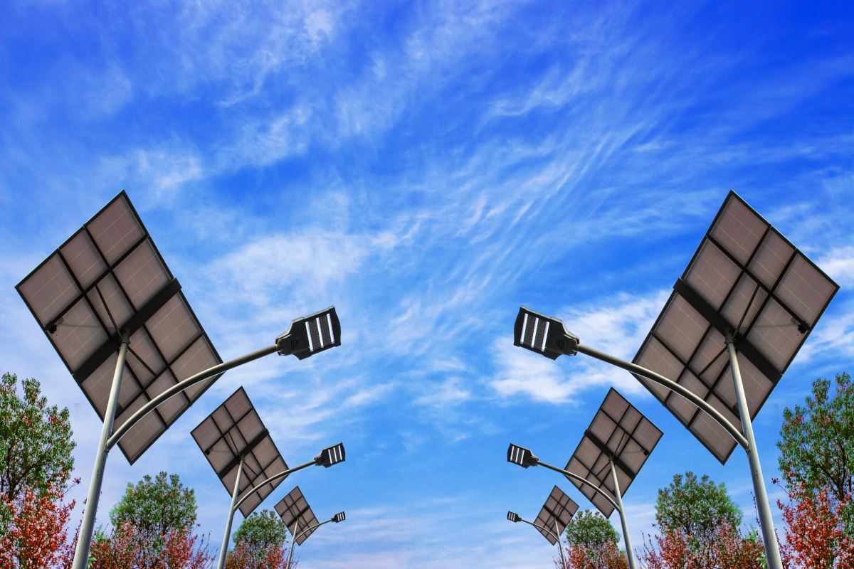 The smart streetlight market will grow by well over a quarter by 2023