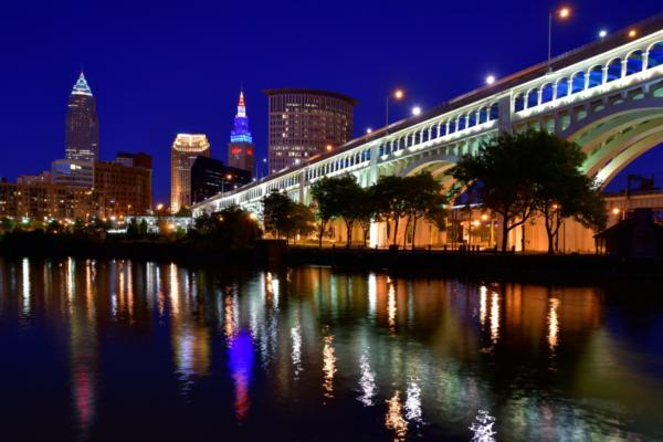 Cleveland implements smart streetlight control network