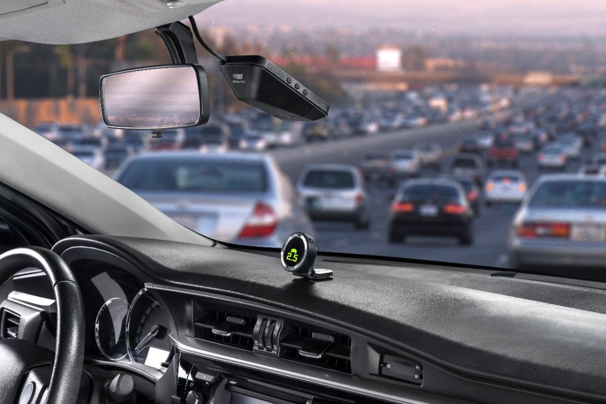 Mobileye's 8 Connect platform sees the road ahead through a camera lens
